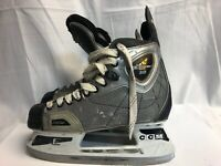 CCM Vector 3.0 Size 7 Hockey Skates. Great Condition Used Only A Few Times!