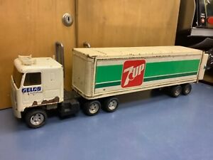 "Vintage Ertl Gelco Truck Leasing Tractor w/  7up Trailer Semi 1/25 19"" rough"
