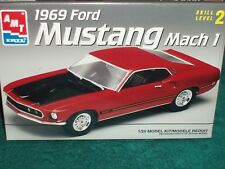 AMT 1969 FORD MUSTANG MACH 1 PLASTIC MODEL KIT 1/25 SKILL LEVEL 2
