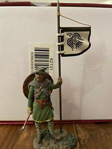 w britain toy soldiers 62131 viking with raven banner wrath of the northmen