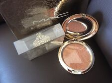 "MAC SnowBall Holliday Collection: Face Powder ""Here Comes Joy"" Quick post"