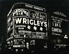 """1955 """"Piccadilly Circus - London"""" Vintage Silver Gelatin Photograph Wrigley Gum"""