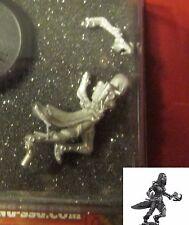 Micro Art W00044 Wolsung Triad of Lotus Dragon Shade (1) Miniature Female Rogue