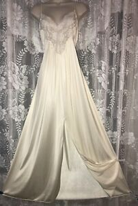 VTG L XL Silky Soft Ivory Nylon Glamour Nightgown Negligee Gown w Lace Bodice