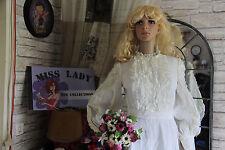 superbe robe de marièe dentelle ceremonie  soirèe collection vintage REF 7039