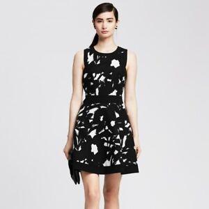 BANANA REPUBLIC SZ 6 TALL TEXTURED FLORAL FIT FLARE BLACK WHITE SLEEVELESS DRESS