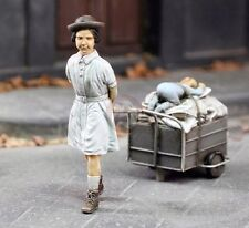 Royal Model 1/35 Girl with her Stuff Child pulling Metal Cart of Possessions 754