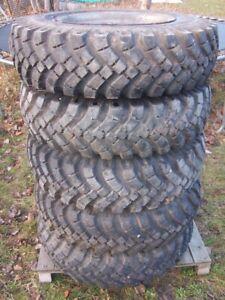 Räder Reifen 10-20 Niederdruck 6-Loch Komplettrad Rad Anhänger Unimog 10.5-20