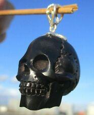 Schädel , skull aus Büffelhorn  geschnitzt - Anhänger Silber 925 !