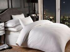 Draps-housses blanches modernes pour le lit Chambre à coucher