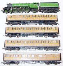Hornby OO HO A3 FLYING SCOTSMAN STEAM LOCOMOTIVE + 4 TEAK COACHES Gift Set NM`05