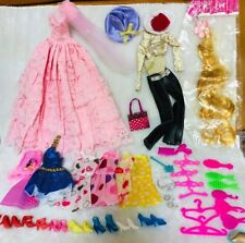 43 items  Includes 11PCS CLOTHES  + 8 Pair shoes +6 PCS hangers + 18Accessories