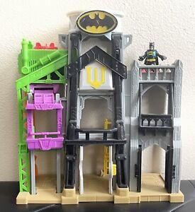 Imaginext Wayne Manor Tower Batman Playset ~ Lights & Sounds ~ Figure