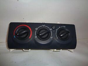 Commande de chauffage manuelle de Renault Clio 2 ph 2, 8200147157 (réf 8699)