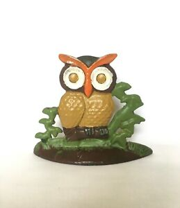 Lovely vintage cast iron owl door stopper. / bookend. Heavy