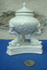 V20 A IDENTIFIER Pot couvert Tritons Porcelaine Paris Céramique