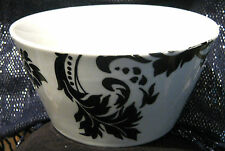 2x Great Dema Designs Valencia porcelain bowls in black and White approx 5 7/8