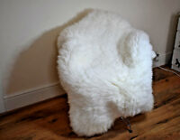 WHITE/CREAMY SHEEPSKIN RUGS SIZE 140/150 HUGE FLUFFY SOFT
