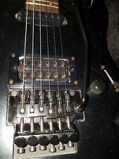 Fender Squier prêsentateurs avec Floyd Rose, valise, Fender Ceinture