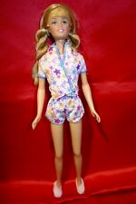 Barbie doll teenage sister Skipper from Pajama Tote Set 2003  pyjamas/ slippers