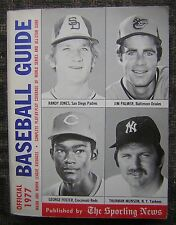 1977 The Sporting News Baseball Guide, 560 pages  - Thurman Munson