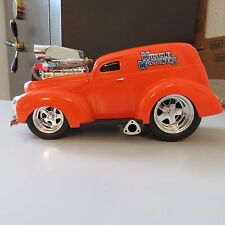 Muscle Machines 1940 Ford Sedan Delivery 1:18 Scale Die Cast Orange