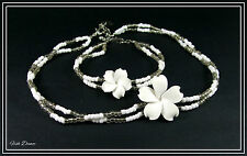 ICON BY ANIMAL. WHITE FIMO FLOWER & SEED BEAD NECKLACE & BRACELET SET (16)