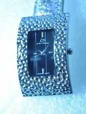 Women's Quartz (Battery) Luxury Not Water Resistant Watches