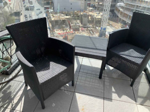One outdoor table and 2 outdoor chair
