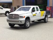 1/64 ERTL NEW HOLLAND CONSTRUCTION DODGE RAM 2500 4X4 PICKUP
