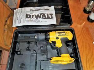 """Dewalt 1/2"""" 18 volt cordless drill / driver  & case  model: DC728 MINT Cond. ! !"""