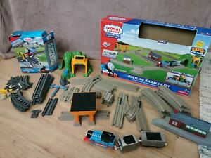 Thomas TrackMaster Bustling Railway Set and Raceway Expansion Pack Motorized