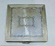 Porta cipria in argento cesellato vintage