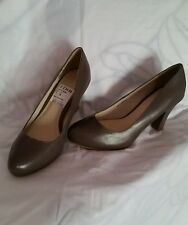 NEW LADIES*CLARKS* 7 (UK) BREE TAUPE  LEATHER COURT SHOES, OFFICE, OCCASION