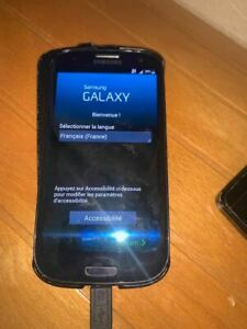 Smartphone Samsung Galaxy S3 GT-I9305 - 16 Go Désimlocké + coque étui + chargeur