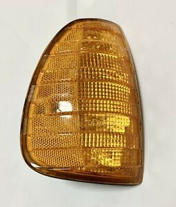 77 - 85 Mercedes Benz W123 Turn Signal Light, Right