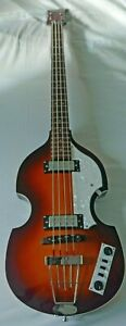 Hofner B-Bass Hi-Series Electric Violin bass with a hard case in excellent