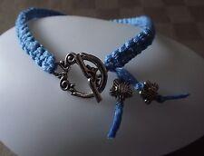 Bracelet Macramé noué amitié bleu Lumineux * Fermoir & fleur argenté * fait main