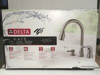 Delta KATE 16970-SSSD-DST 1-Handle PullDown Kitchen Faucet in Stainless