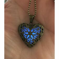 Glow Heart Necklace Pendant Luminous Glow In The Dark Locket Chain Necklace New