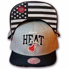 Original Mitchell & Ness Miami Heat Snapback Cap NBA EU183 Grau/Schwarz/US Flag