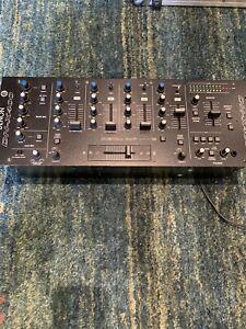Denon DN-X400 DJ mixer