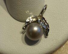14kt. White Gold Black Pearl Pendant