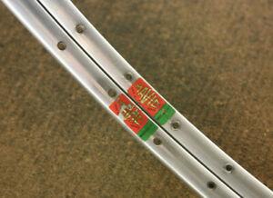 Vintage set (2) French Mavic Module E2 silver clincher rims rimset 700c 36 hole