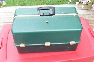 Vintage Large UMCO 4080 U Tackle Box