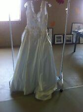 Stunning White Satin Sleeveless Ballgown Wedding Dress Gown - Size 10
