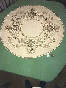 Tischdecke Tafelkleid 100cm Rund. Reine Handarbeit. 100% Baumwolle. Ropi