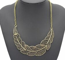 Vintage Leaf Pendant Statement Necklace Gold Toned 17 Inches Plus Extension