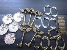 Steam Punk: Clocks (5)- Keys(5) - Mini rulers(5) - Vampire mouths(10)