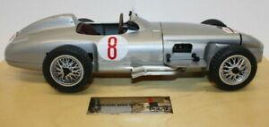 Polistil 1/16 Scale Diecast Model Car - Mercedes Benz RW 196 #8